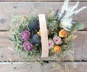 他の花材を配置します